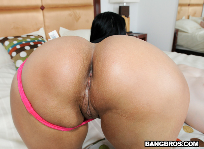 Colombian ass paola gets stretched 8