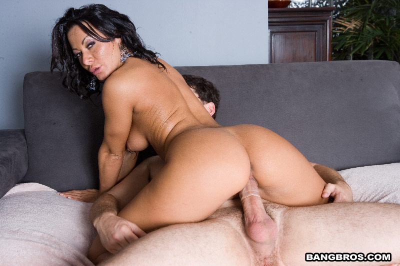 Ebony milf soleil white stockings porn